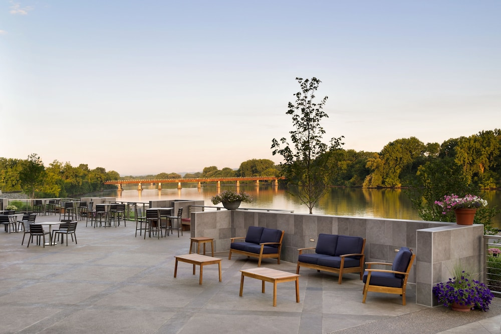 Book The Landing Hotel At Rivers Resort In Schenectady Hotels
