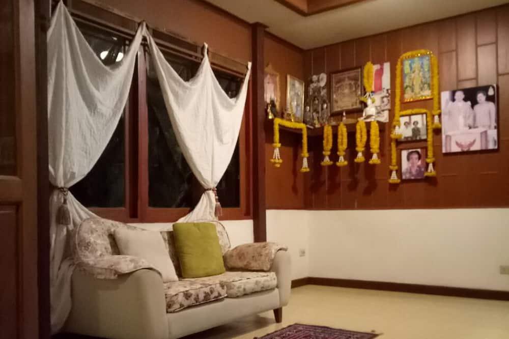 Double Room B in Main House - Stofa