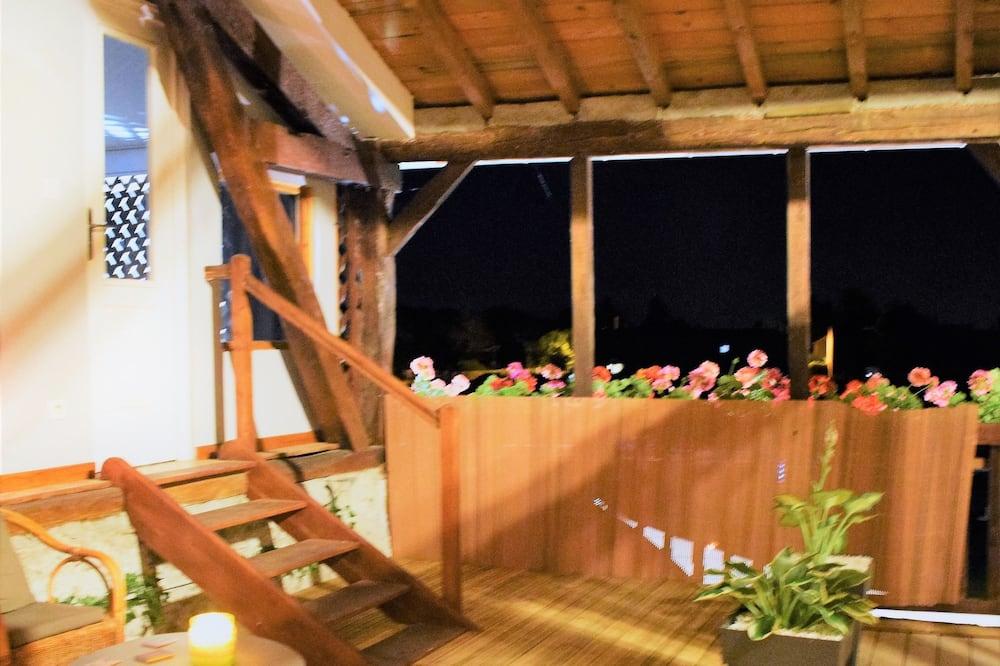 Deluxe Double Room, Hot Tub (L'Attrape-Rêve) - Balcony View
