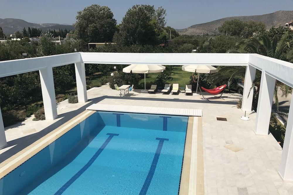 Suite (Ios) - Outdoor Pool