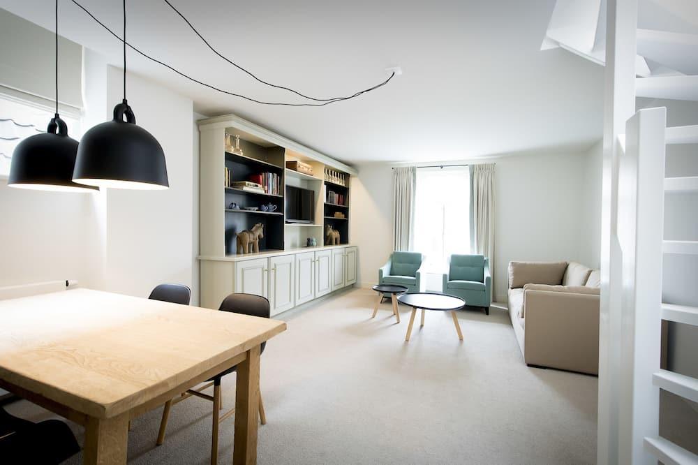 Luxury Quadruple Room, 2 Bedrooms (6) - Living Room