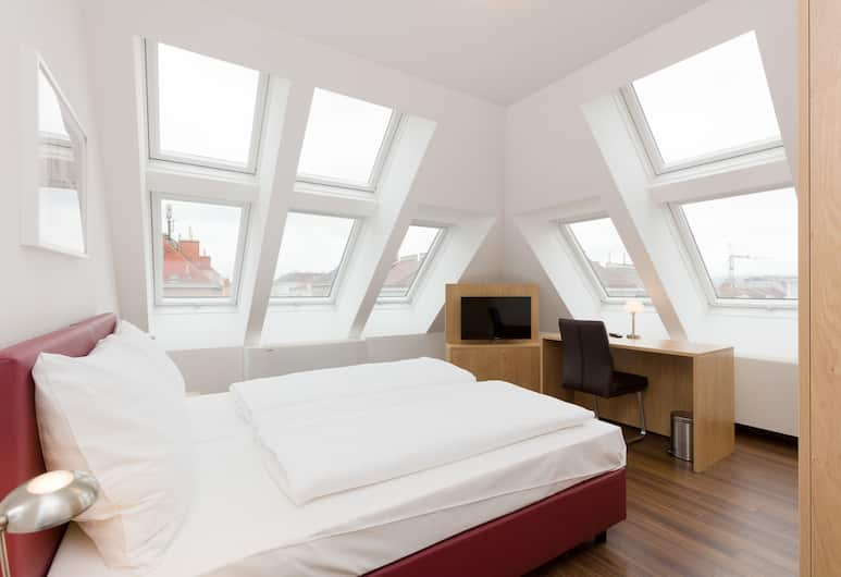 DMG Apartments Hotel, Vienna, Superior Double Room, Guest Room