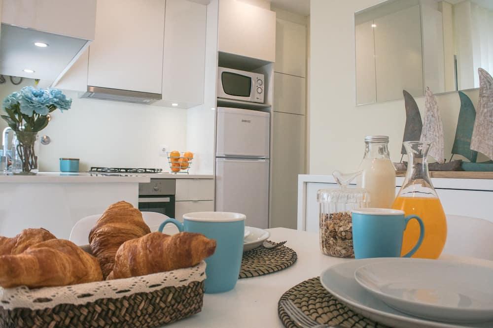 Апартаменти, 3 спальні, з видом на пляж - Обіди в номері