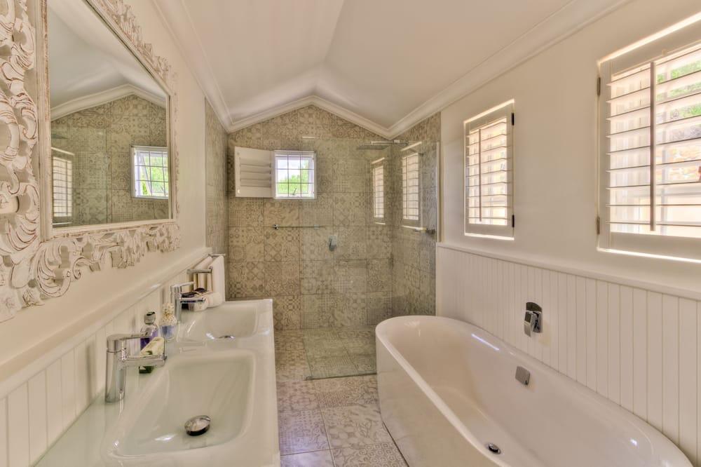 Luxury Honeymoon Suite - Vonios kambarys