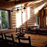 Chalet, 4 Bedrooms, Kitchen (Cap a l'Aigle) - Living Room