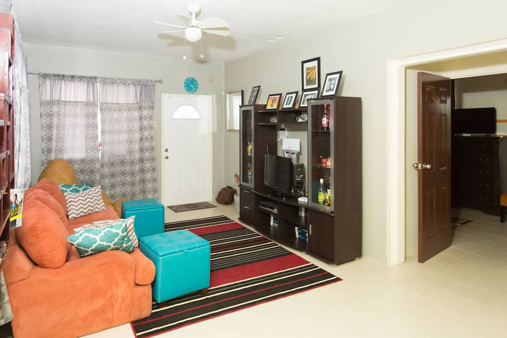 Family House, 2 Bedrooms, Kitchen, Partial Ocean View - Living Room