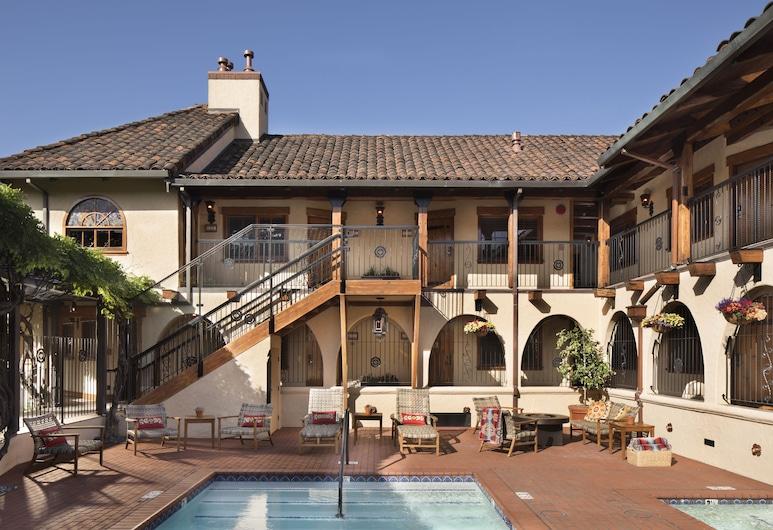Rancho Caymus Inn, St. Helena, Exterior