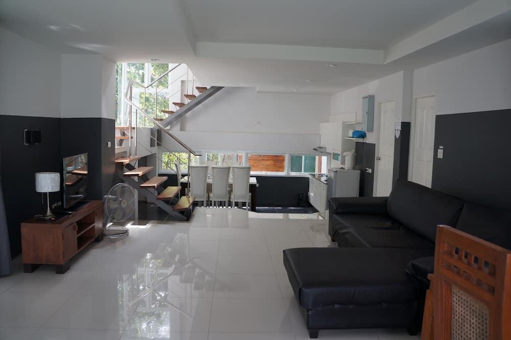 Villa with Garden View - Oturma Alanı