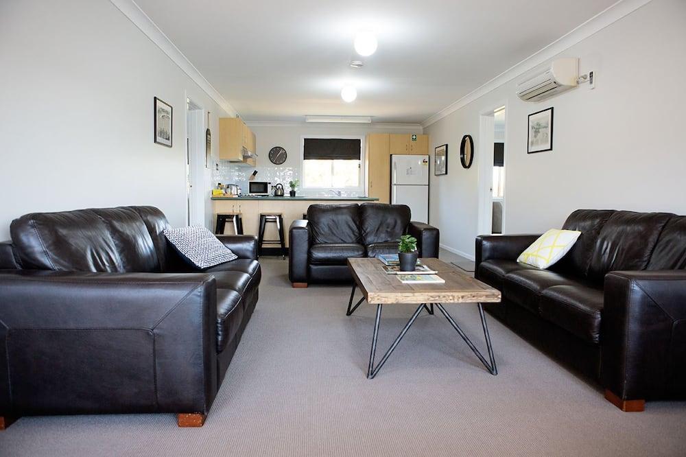 Twin kamer, en-suite badkamer (Shared Kitchen & Bathroom) - Woonkamer