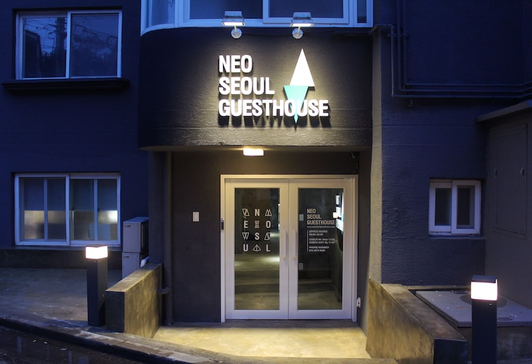 Neo Seoul Guesthouse, Seoul, Hotel Front – Evening/Night