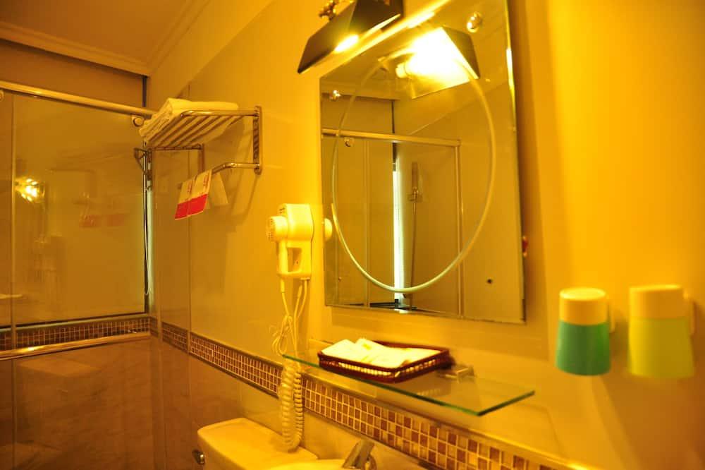 Izba typu Business, 1 spálňa, výhľad na mesto - Kúpeľňa