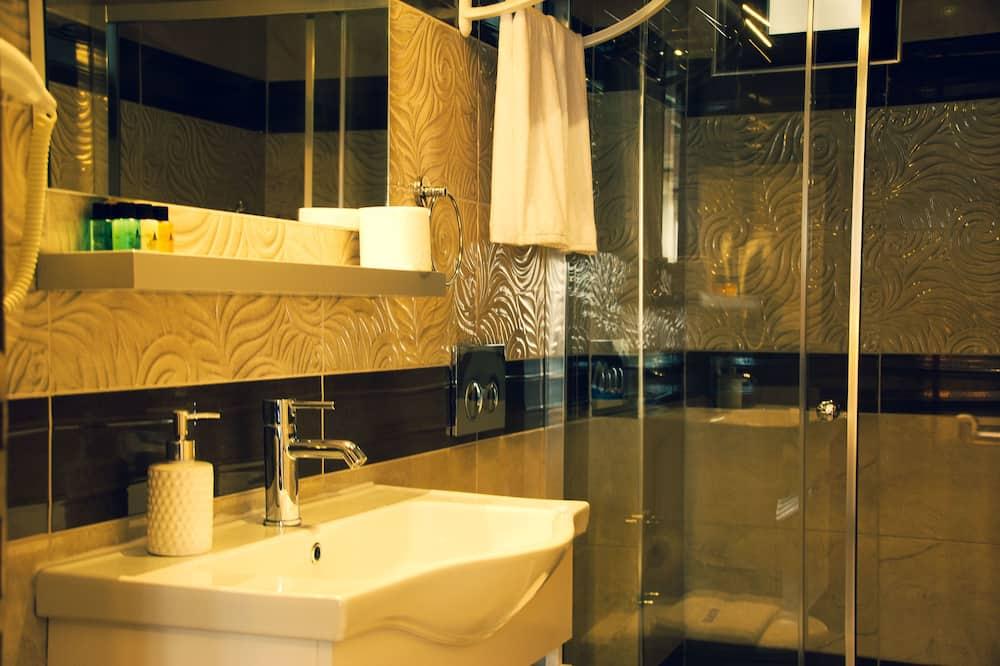 Standardní pokoj se dvěma jednolůžky, nekuřácký - Koupelna