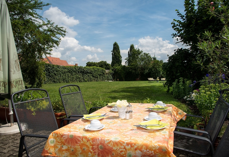Hotel Rose, Volkach, Γεύματα σε εξωτερικό χώρο