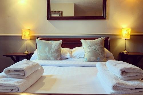 皇家橡樹酒店/
