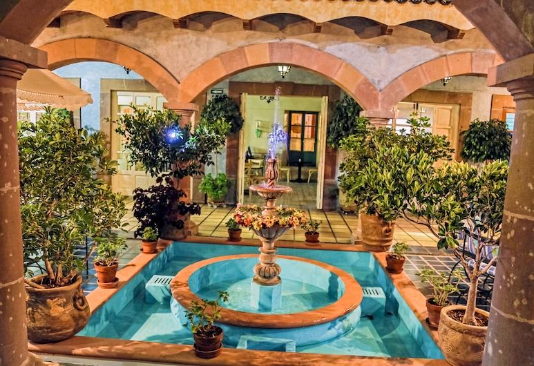ホテル ラ プラサ デ テキスキアパン, テキズキアバン, 外装