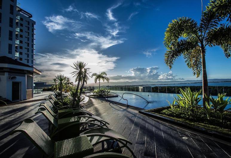 CSuites at 8 Newtown Residences, Lapu-Lapu, Infinity Pool