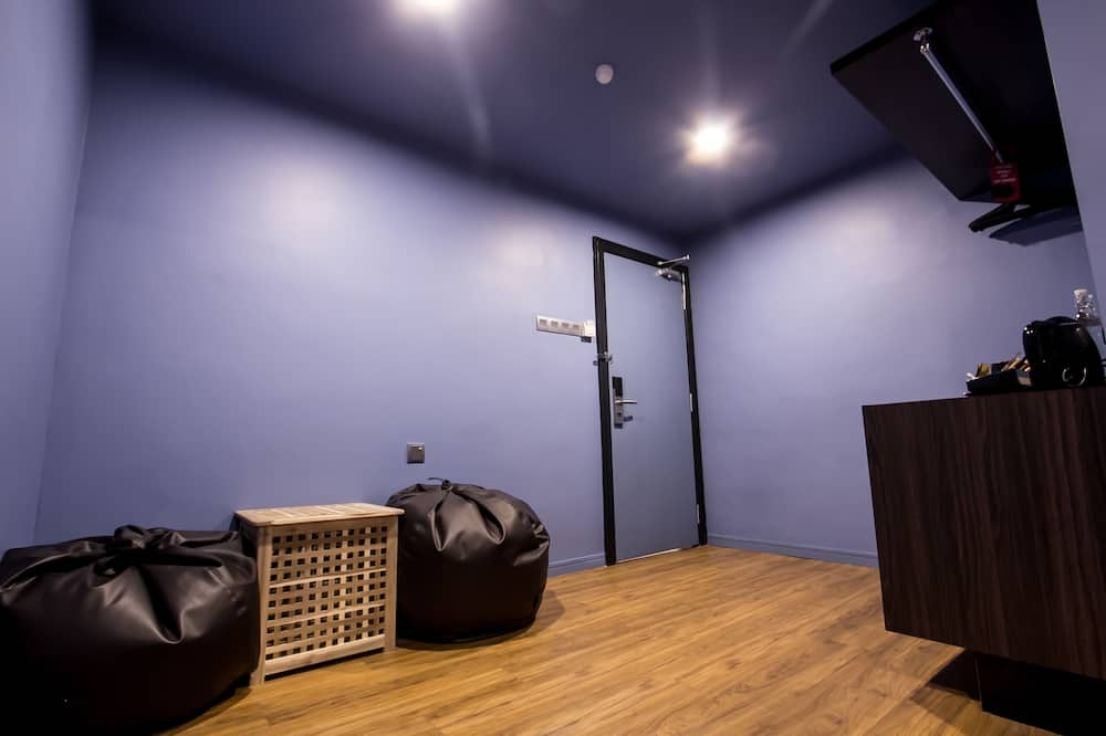 Executive Triple Room, No Windows - Living Area