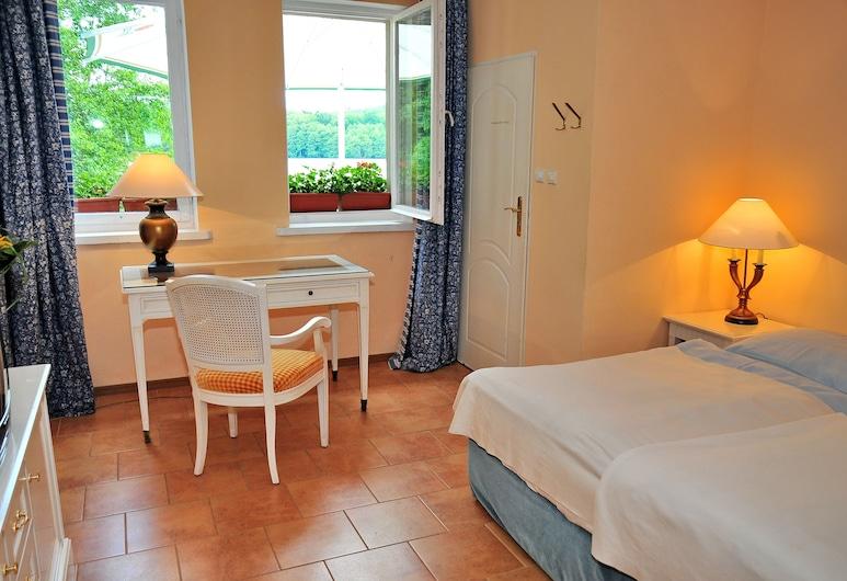 Podzamcze - Schlosspension, Polianuvas, Vienvietis kambarys, vaizdas į ežerą, Svečių kambarys