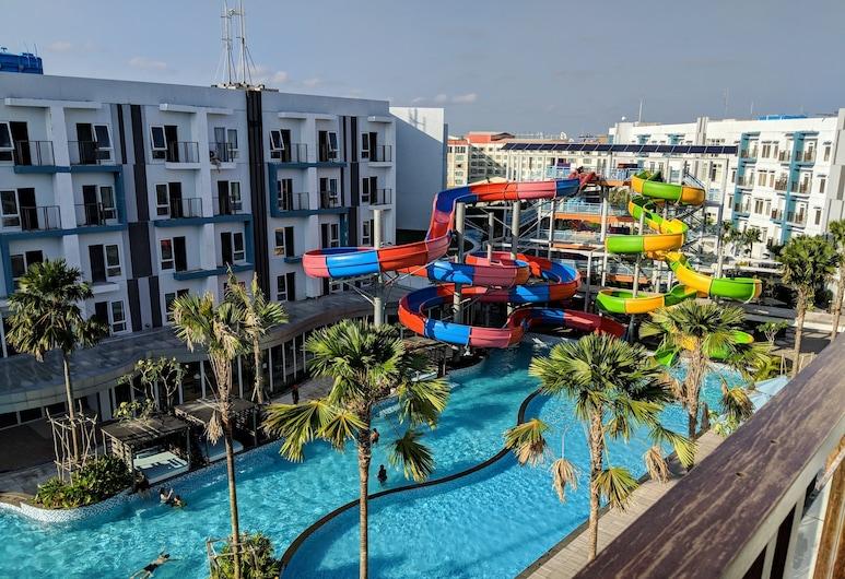 Astara Hotel Balikpapan, Balikpapan, Superior szoba kétszemélyes vagy két külön ággyal, kilátással a medencére, Kilátás az erkélyről