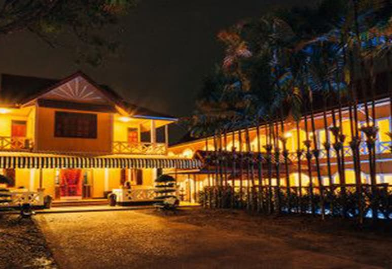 Le Jardin Hotel De Pakse, Pakse, Hotel Front – Evening/Night