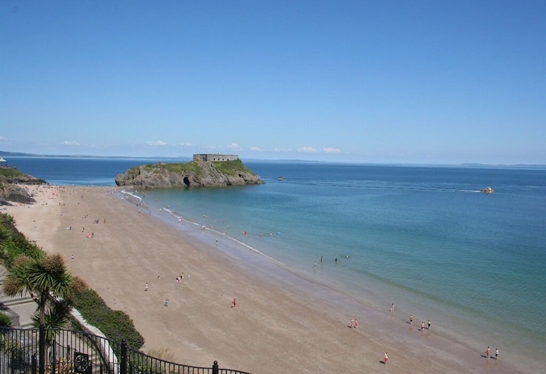 The Southcliff, Tenby, Strand