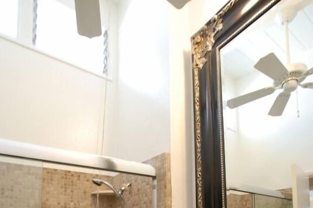 複式房屋, 2 間臥室 - 浴室