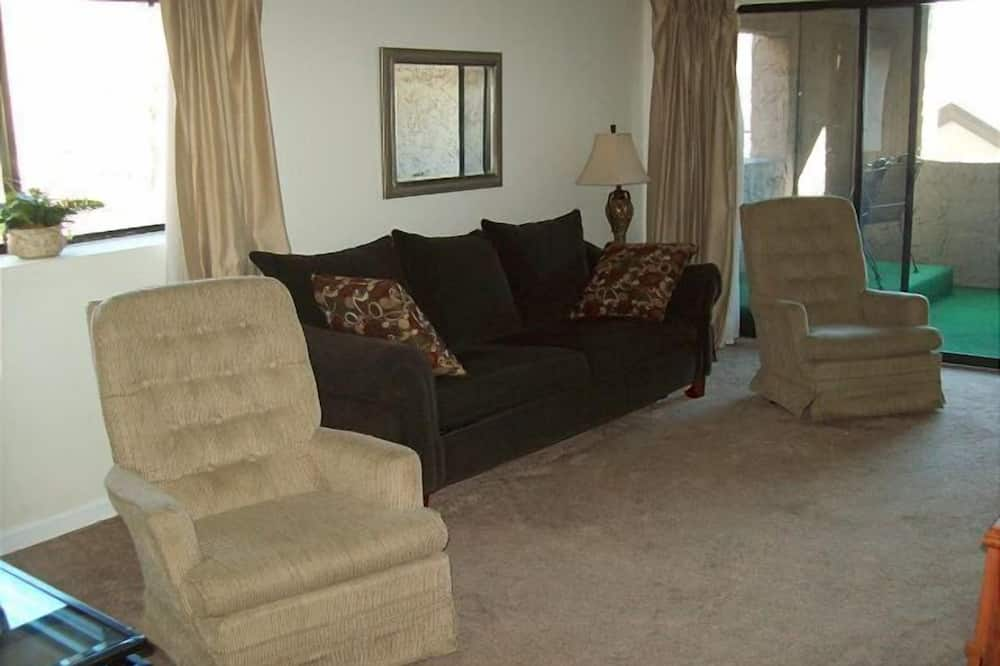 Two in Downtown Gatlinburg (Unit 212) - 2 Br condo by RedAwning