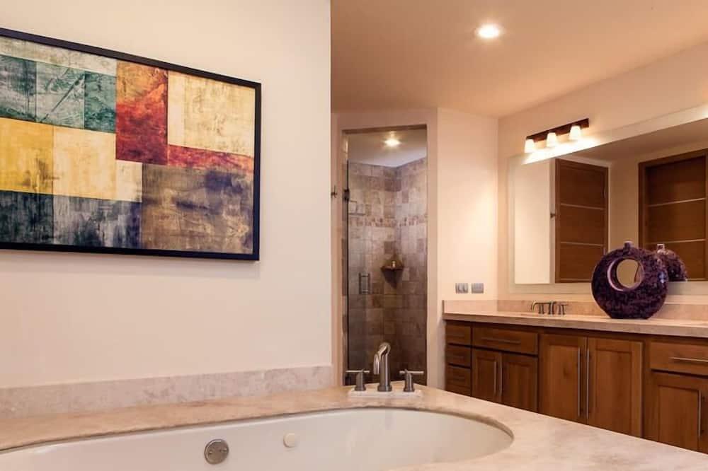 Condominio, 3 habitaciones - Baño