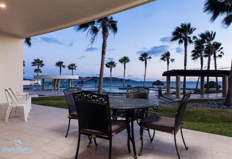 3 Bedroom  Playa Blanca 109 Condo, San Carlos, Condominio, 3 habitaciones, Balcón