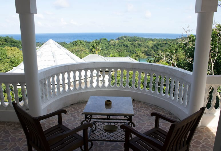 All Nations Guesthouse, Port Antonio, Luxury Double Room, 1 Katil Raja (King), Jetted Tub, Ocean View, Balkoni