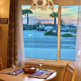 Gulf & Sunset Views!!! 1BR Apt. C is a Centrally Located, Walk to all Location