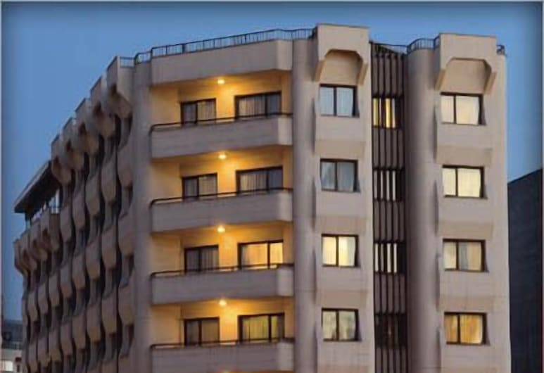 Hotel Yumukoglu, Izmir, Hotel Front – Evening/Night