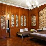Classic Quadruple Room, 1 Bedroom, Shared Bathroom, City View - Guest Room