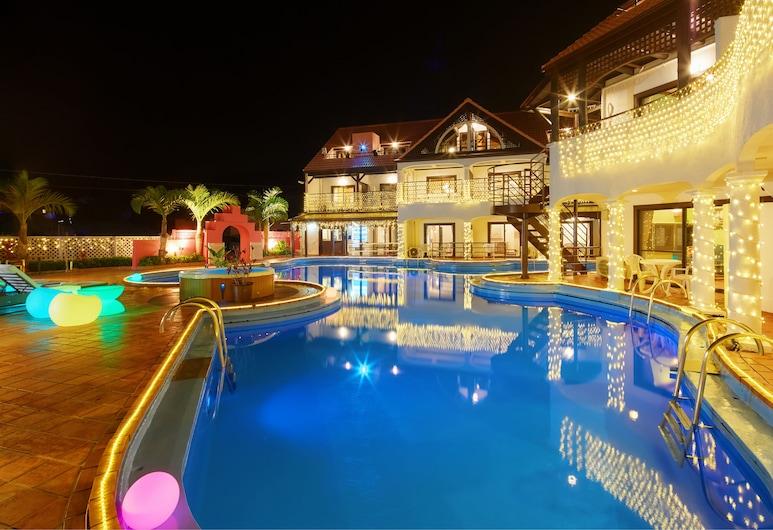 The PoolResort OKINAWA, Onna, Pool