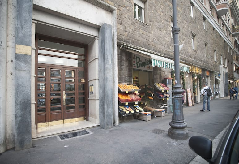 Guest House Vignola, Roma, Pintu Masuk Hotel