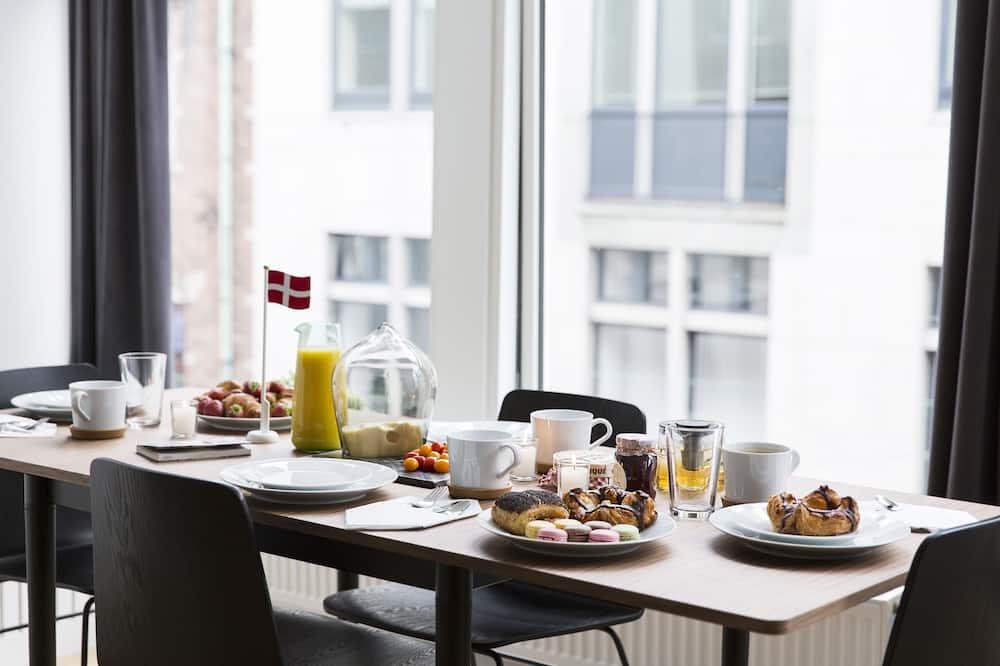 Luxury Loft (72) - In-Room Dining