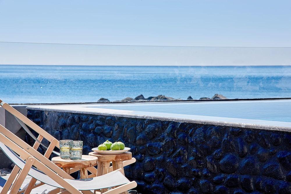 Villa, Beachfront - Outdoor Pool