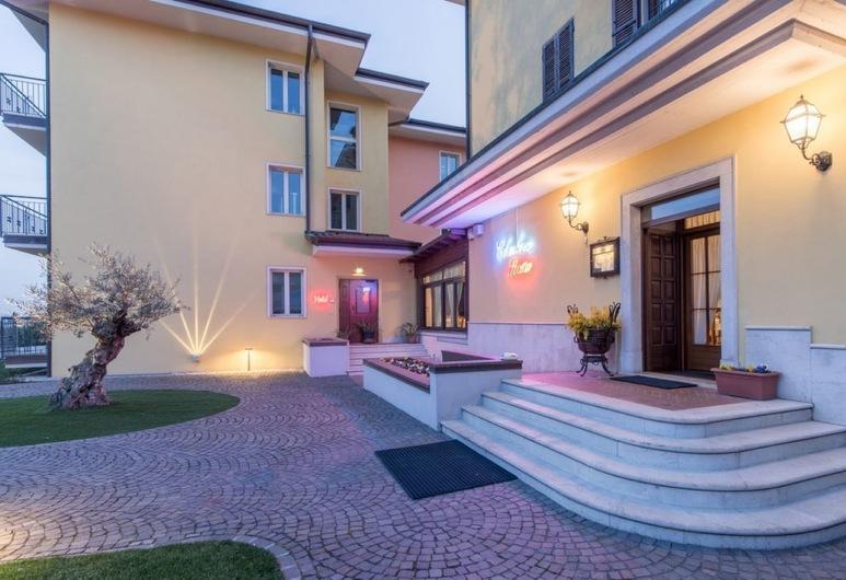 Hotel Colombera Rossa, Brescia, Entrada del hotel