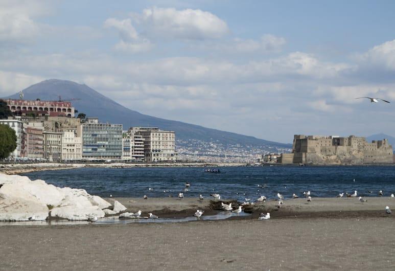 多莫斯正午酒店, 那不勒斯, 海灘