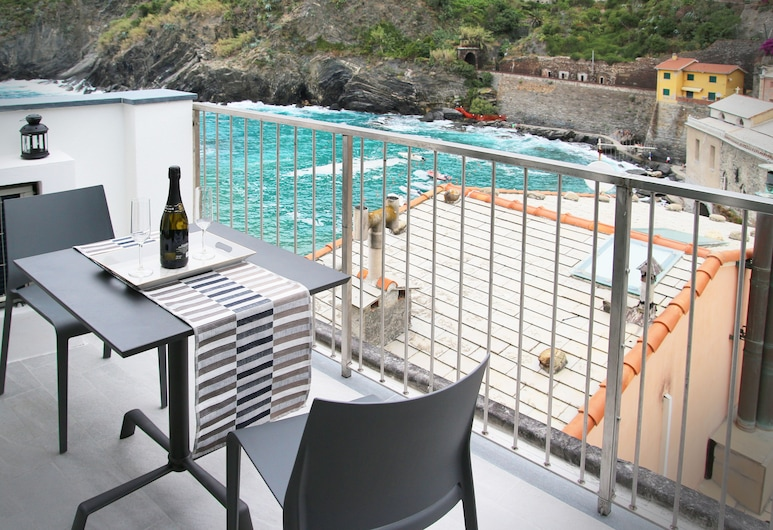 MaDa Charm Apartment - Jacuzzi - Romantisk terrasse med havutsikt, Vernazza, Balkong