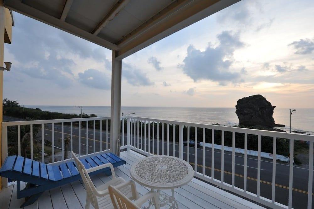 Deluxe Double Room, 1 Queen Bed, Balcony, Ocean View - Guest Room