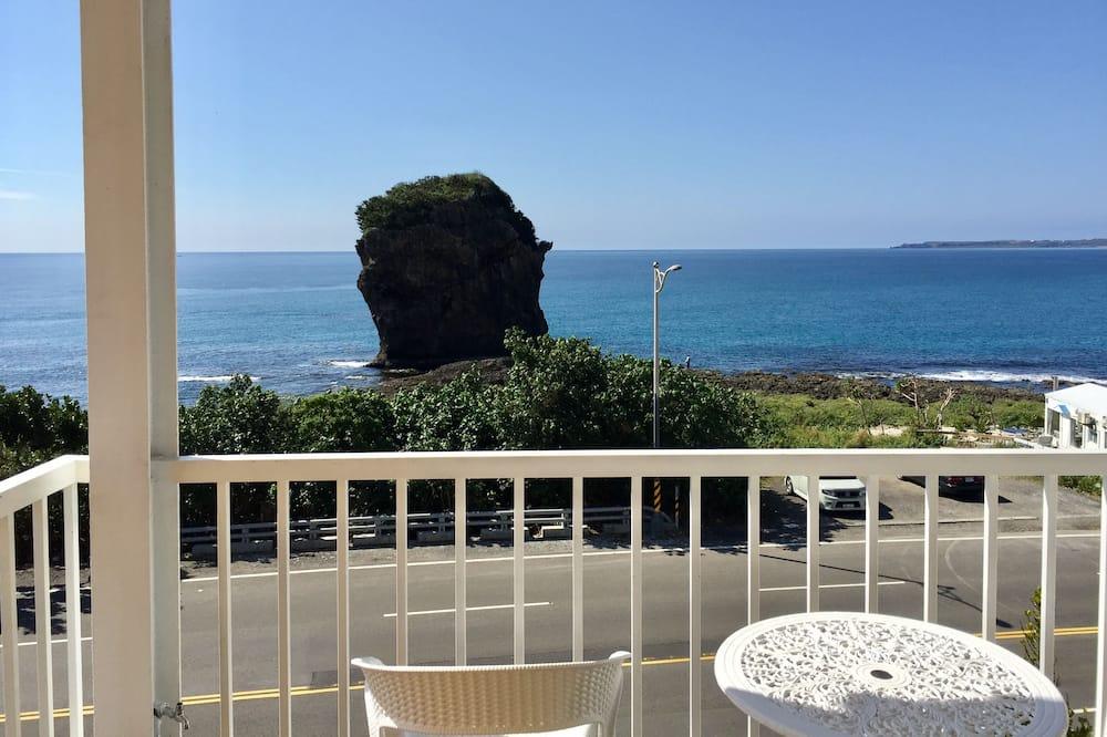 Deluxe Double Room, 1 Queen Bed, Balcony, Ocean View - Beach/Ocean View