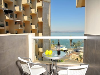 Picture of Kings Towers Suite Apartments in Tiberias