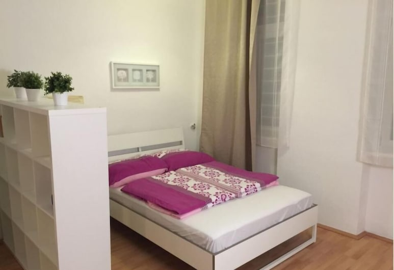Apartment- Schottenfeldgasse, Vienna, Economy Apartment, 2 Bedrooms, Non Smoking, Room