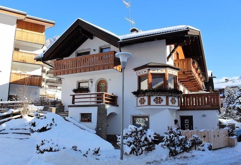 Apartment 4 Holiday - Apartment Everest Bruno, Selva di Val Gardena
