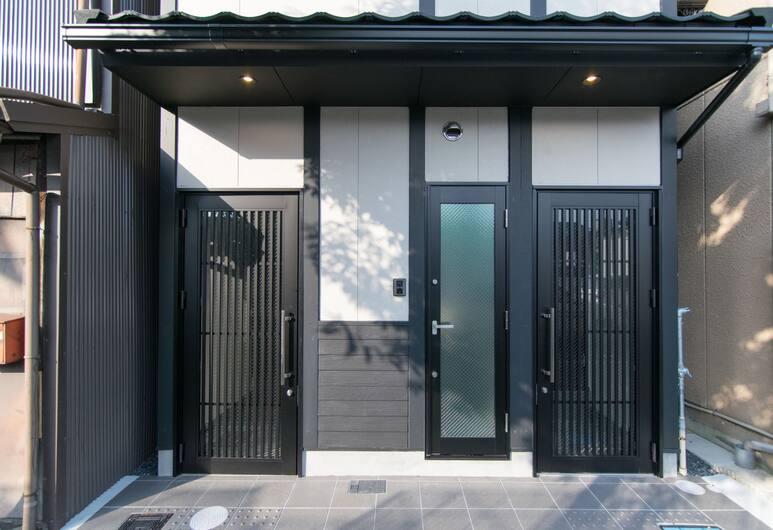 Stay SAKURA Kyoto to-ji South II, Kyoto, Property entrance