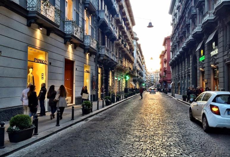 LHP Suite Chiaia, Naples