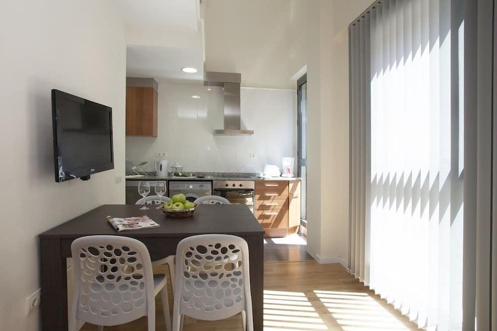 Dvojposchodový apartmán, 2 spálne (Comedias III) - Stravovanie v izbe