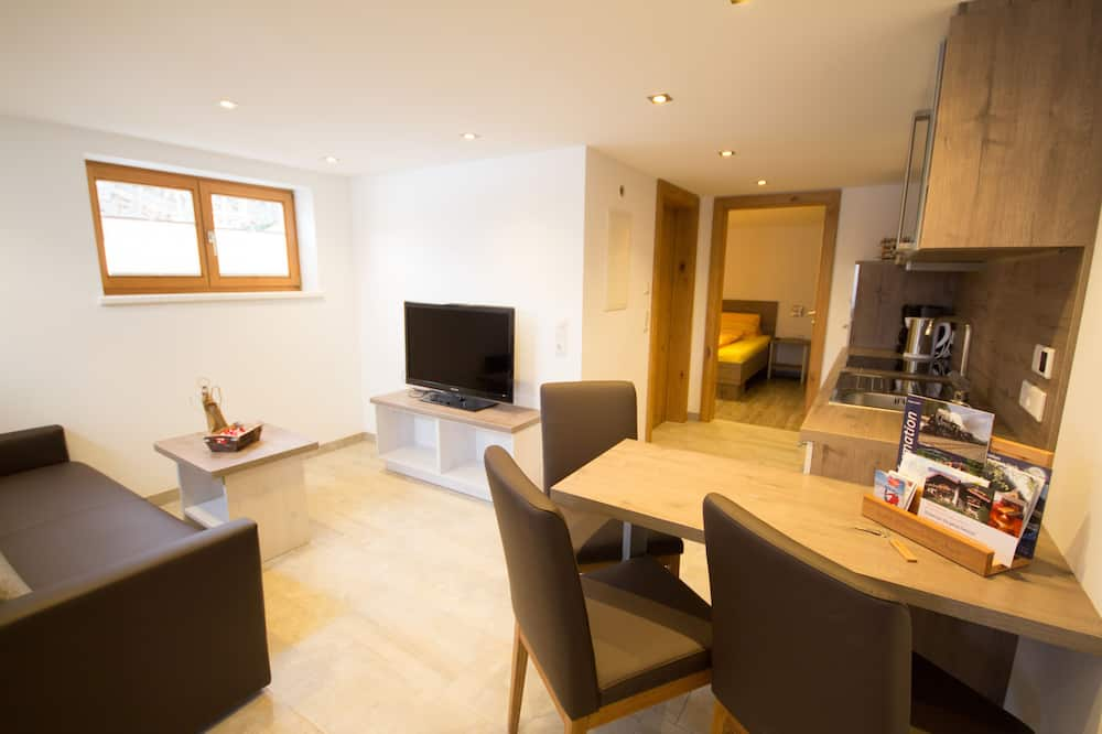 Apartment, 1 Bedroom, Mountainside - Living Area
