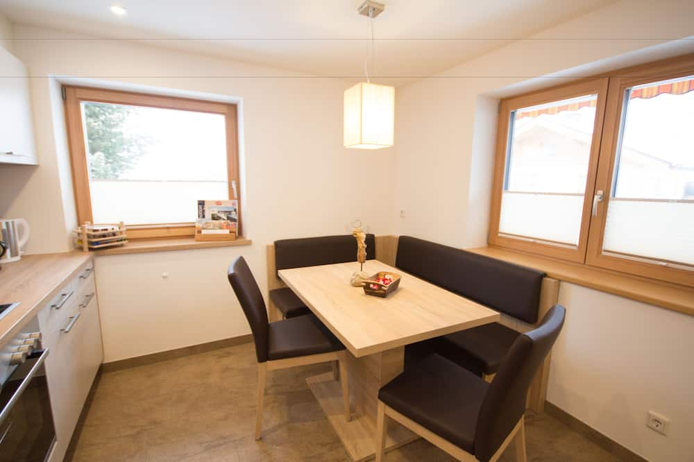 Apartment, 1 Bedroom, Mountainside - In-Room Dining